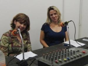 Maria de Lourdes com a apresentadora Giuliana Capistrano
